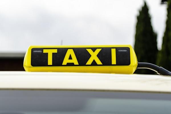 Chauffeurs de VTC non-professionnels = taxis ?