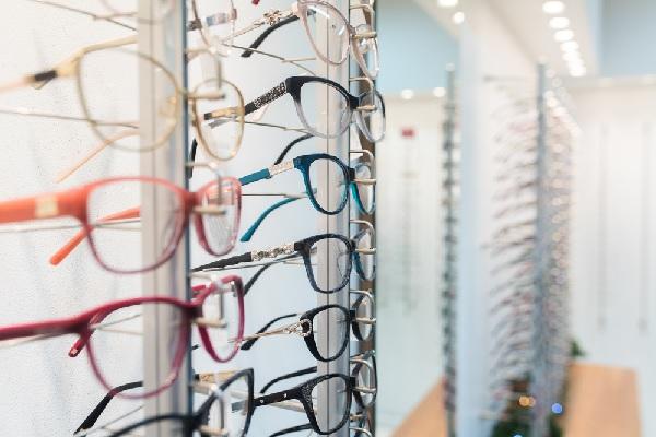 Grossiste de produits d'optique : une revente à un prix d'achat « minoré » ?