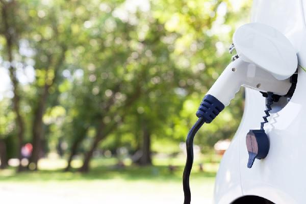 installer-des-bornes-de-recharge-de-voitures-vertes…-a-prix-reduit-?