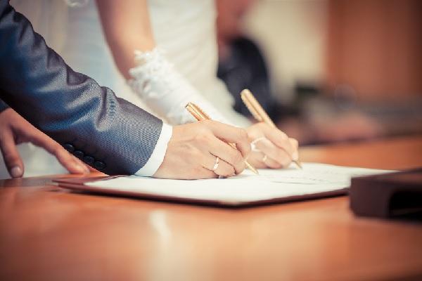 contribution-aux-charges-du-mariage-:-deductible-des-impots-?