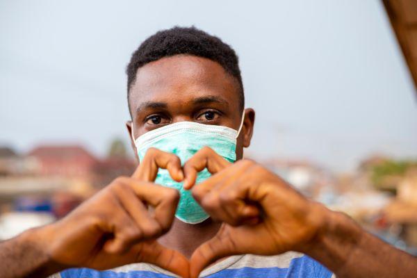 coronavirus-(covid-19)-:-distribution-(gratuite)-de-masques-pour-certains-benevoles-d'associations